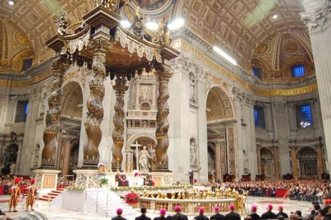 interior de san pedro en el vaticano