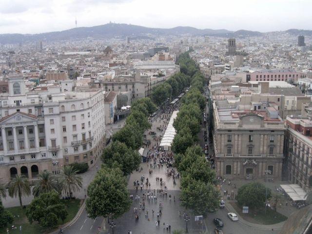 Las Ramblas desde la estatua de Colón (Barcelona), de momento España