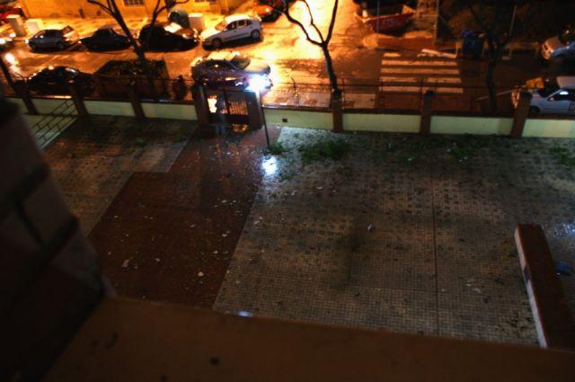 Efectos del tornado en Calle Diego Lara Valle