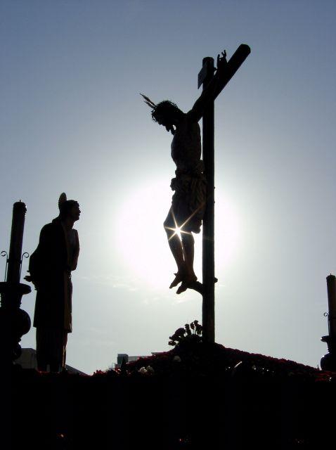Crucifixión 2005