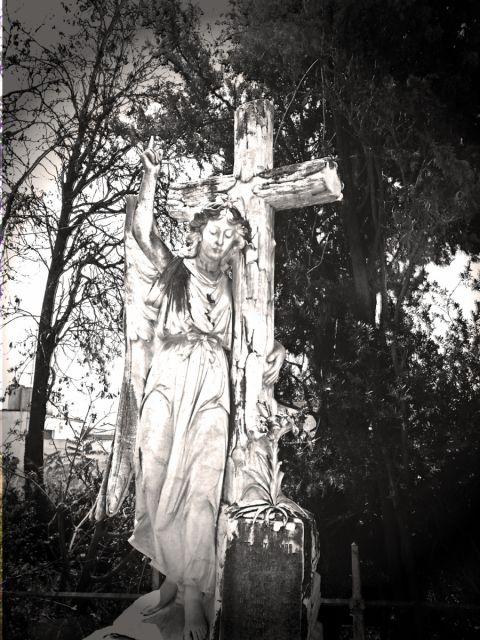 Escultura del cementerio ingl s fotos de m laga capital - Herreros en malaga ...