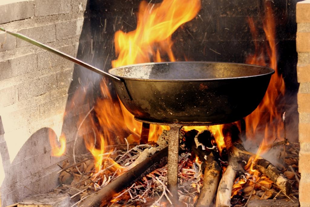 Cocina con leña   fotos de Varias