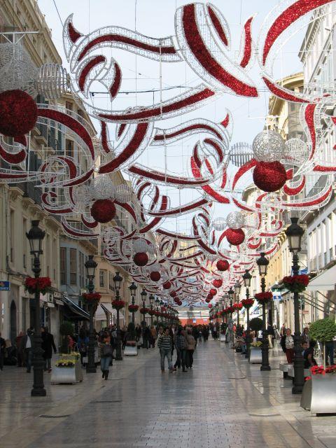Calle larios con decoracion navidena fotos de navidad for Decoracion navidena original