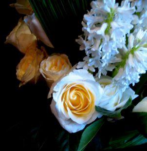 Nardos y rosas