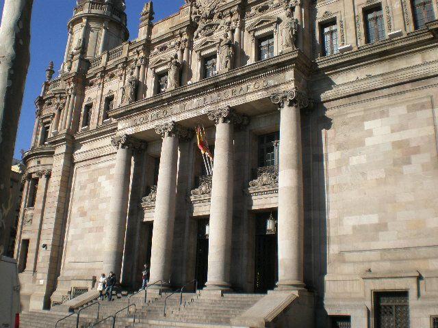 Edificio de correos barcelona fotos de otras ciudades y for Oficina de correos barcelona