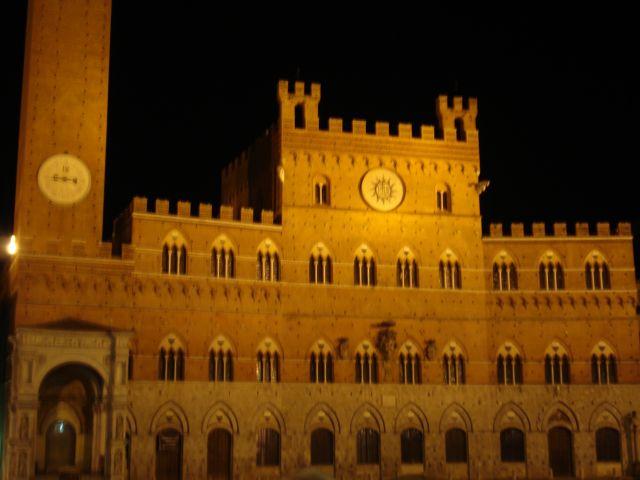 ayuntamiento siena italia: