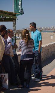 Aficionados apoyando al entrenador del Málaga