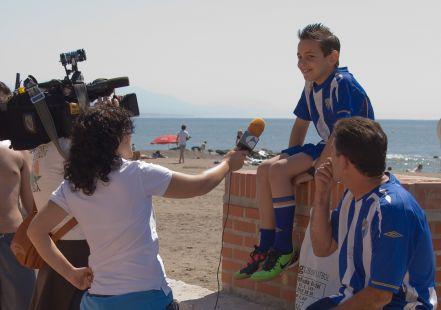Medios informativos, entrevistando a la aficcion malagueña