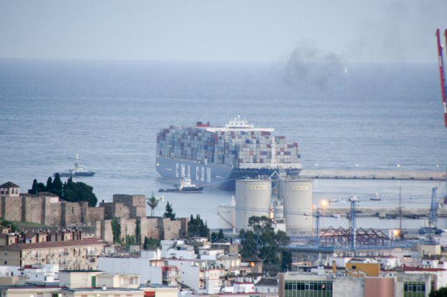 Barco porta contenedores fotos de m laga capital - Contenedores de barco ...