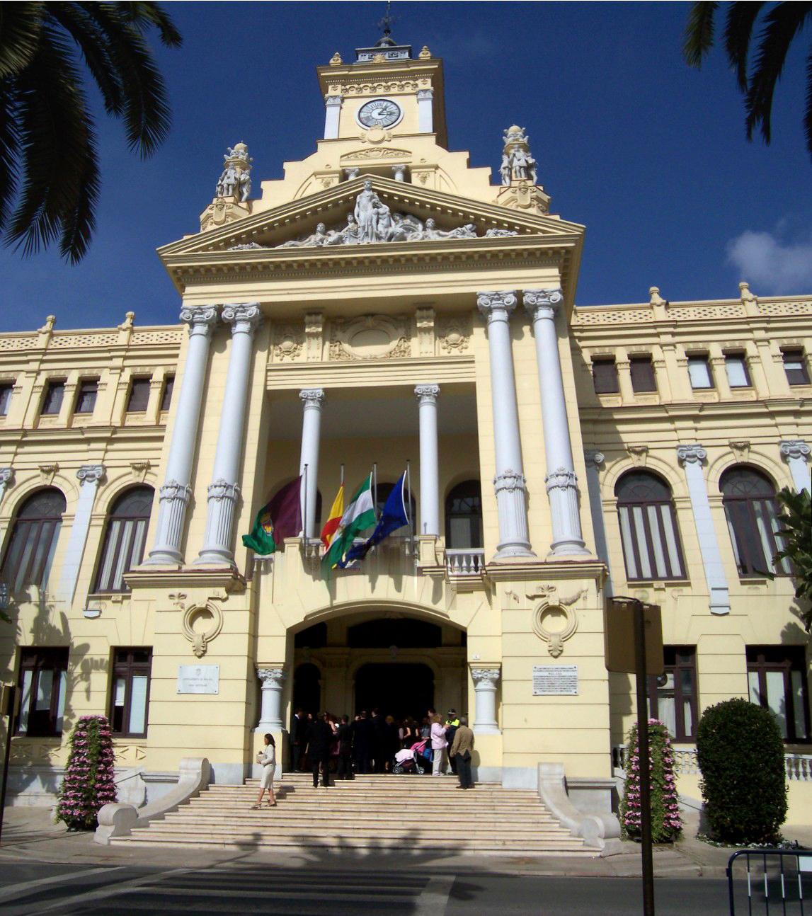 Panoramica fachada principal del ayuntamiento de m laga - Fotos malaga capital ...