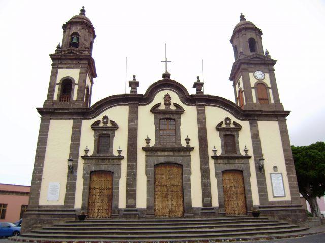 http://fotos.diariosur.es/201009/p6220502-640x640x80.jpg