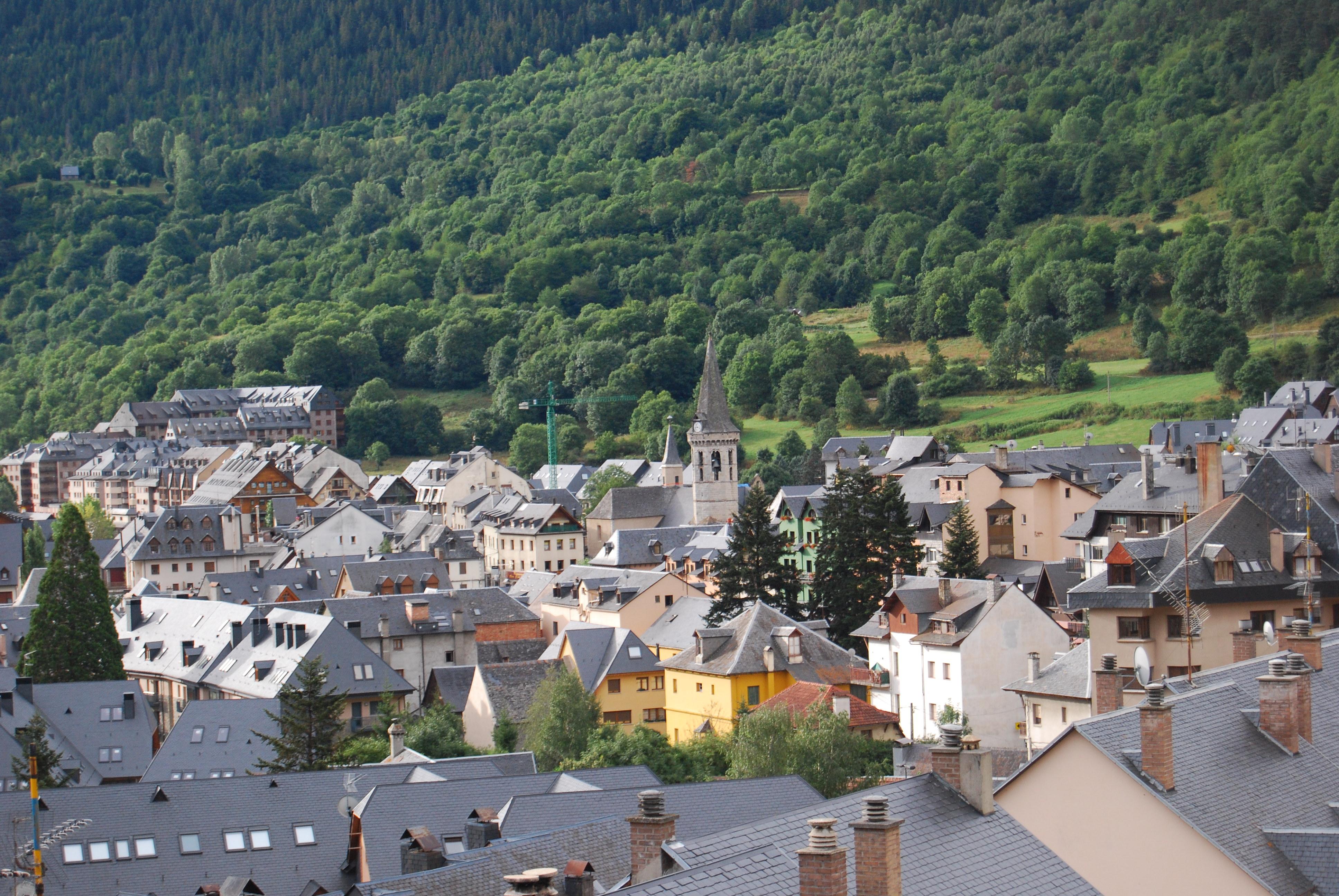 Vistas de viella en el valle de ar n fotos de otras - Inmobiliarias valle de aran ...