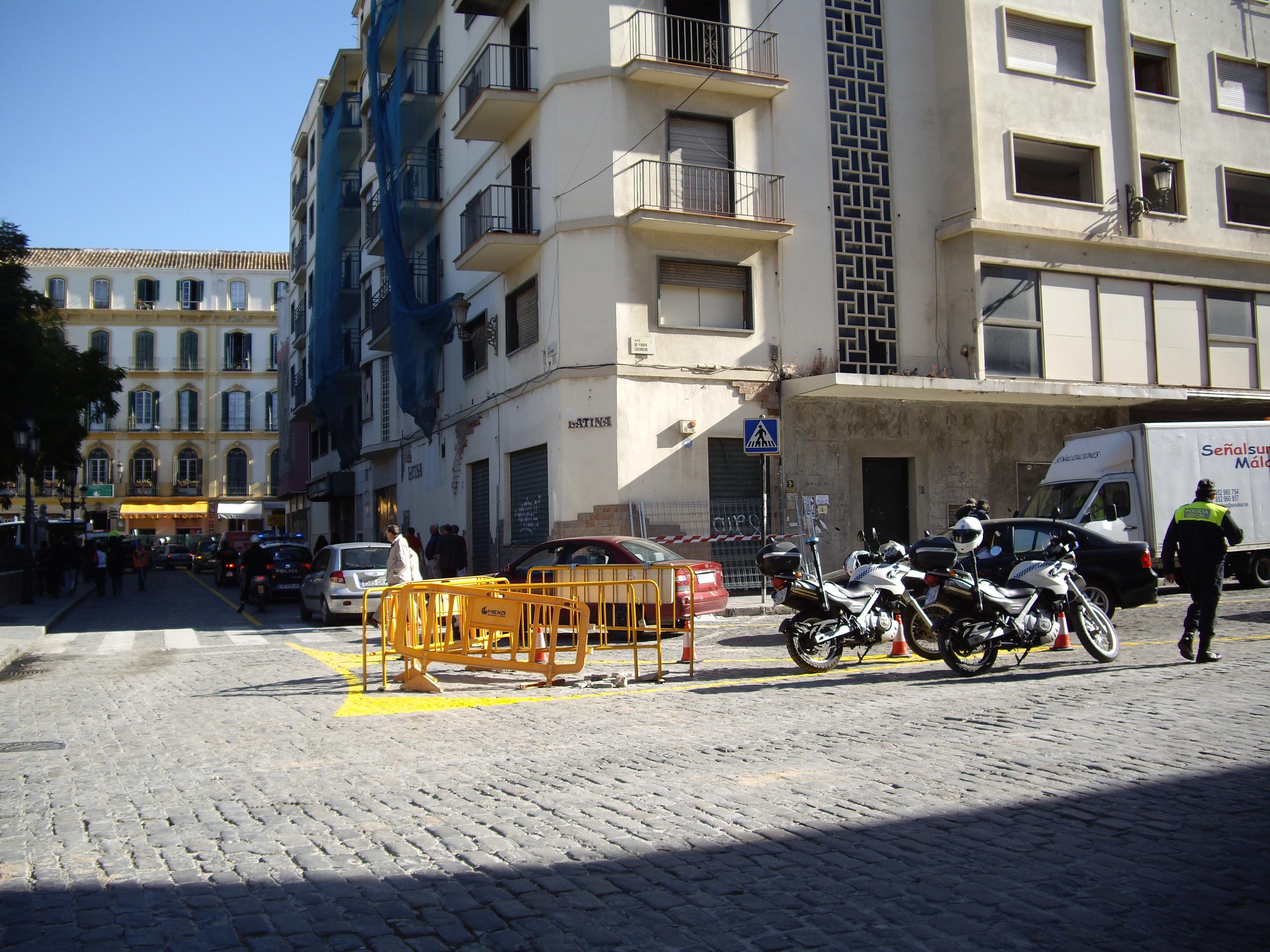 Trafico en plaza maria guerrero 23feb2011 fotos de - Telefono de trafico en malaga ...