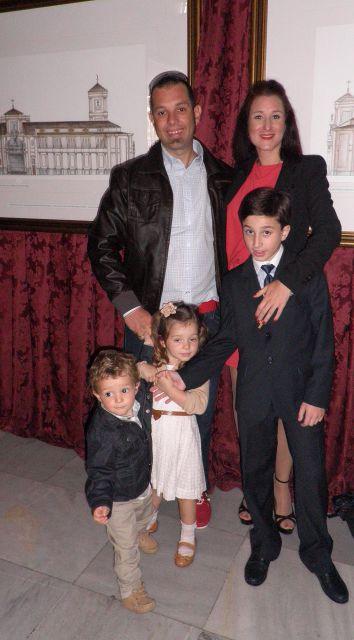 Javier con sus Tios y primos