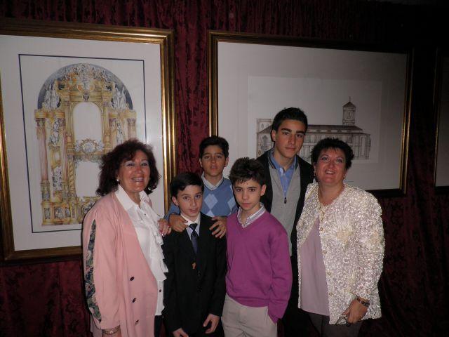 Javier con su Family