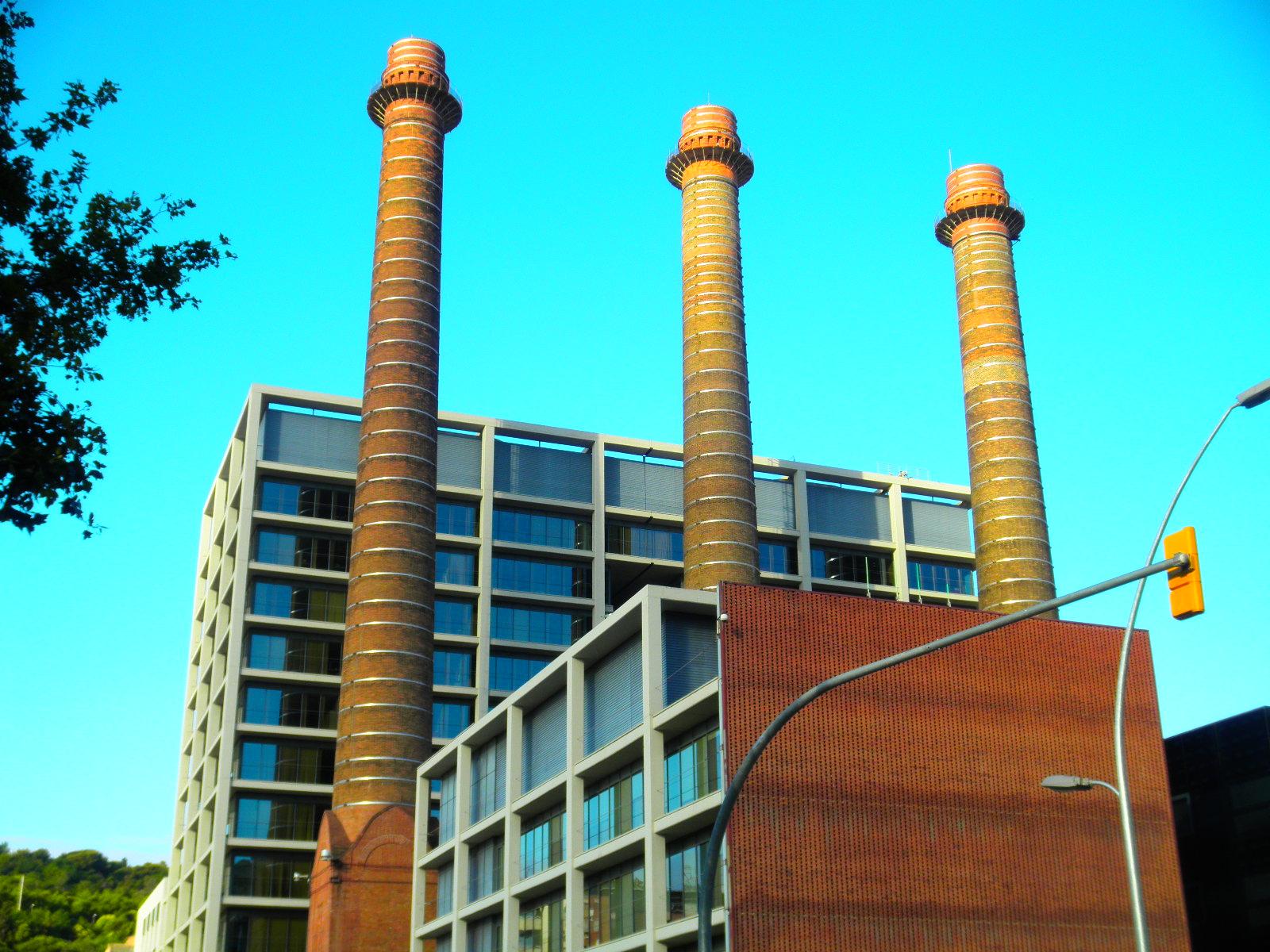 Las tres chimeneas de barcelona fotos de otras ciudades y pa ses - Chimeneas barcelona ...