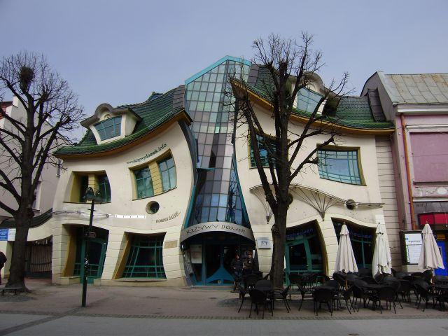La casa torcida de Sopot en Polonia