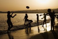 Juegos en la playa (Algarrobo-Costa)