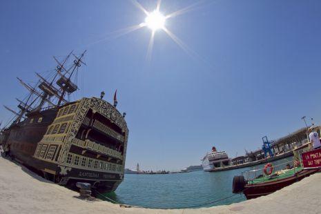 Puerto de Málaga 8mm