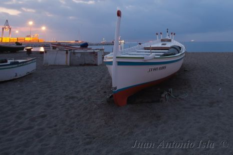 Amanecer desde la playa de Huelin