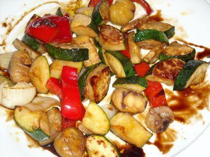 Revuelto de verduras y castañas