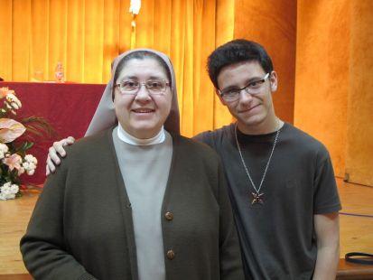 La Esperanza del Caballero Legendario en la Escuela de Magisterio y colegio María Inmaculada