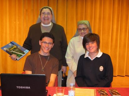 La Esperanza del Caballero Legendario en la Escuela de Magisterio y Colegio María Inmaculada de Antequera