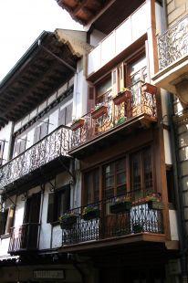 Aleros y balcones
