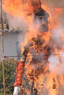 Fuego purificador en El Burgo