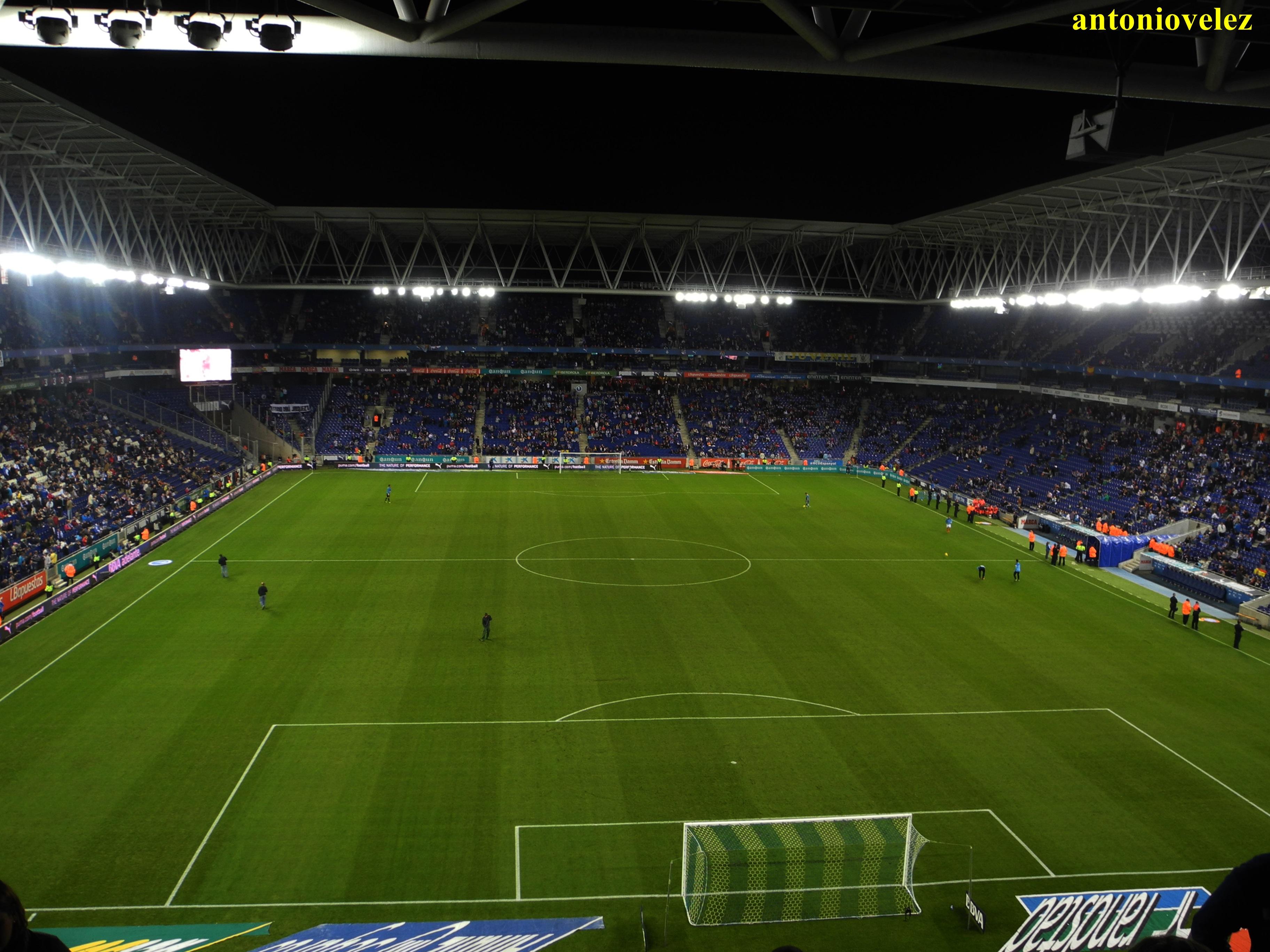 Campo de f tbol del rcd espa ol fotos de otras ciudades - Campo de futbol del valencia ...