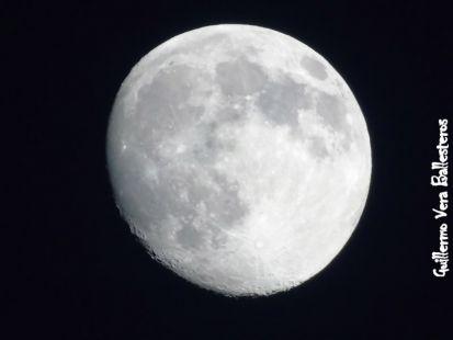 La Luna casi llena