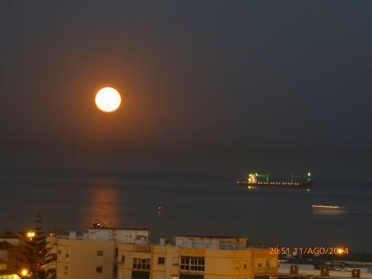 Luna grande.