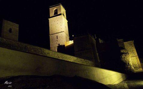 castillo nocturno alora