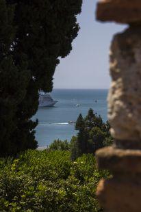 Puerto de M�ga desde la Alcazaba
